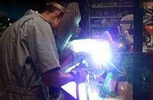 溶接による、フレーム加工とステンレスマフラーの製作