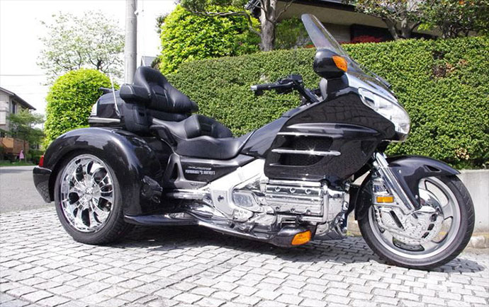 GOLDWING GL1800 TRIKE STANDARD